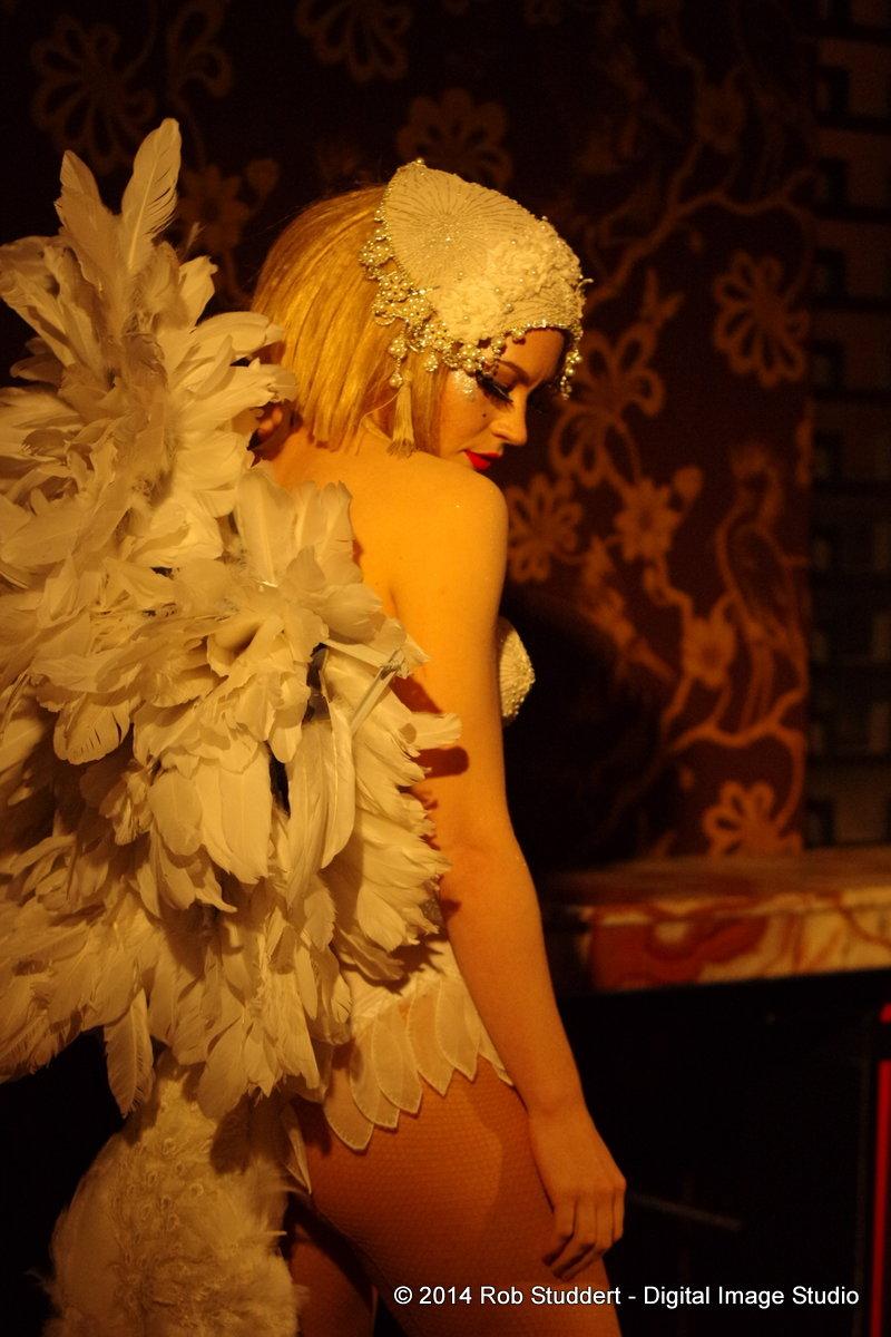 Spielfuchs Leda Swan Costume Burlesque