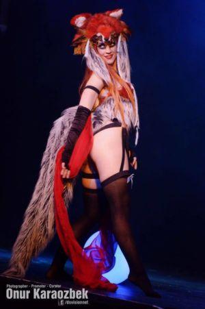 Lucille Spielufchs Fox Burlesque Cabaret