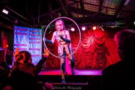 Spielfuchs Hulahoops Interactive Theatre Burlesque